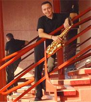 Manu maugain accordéoniste musicien